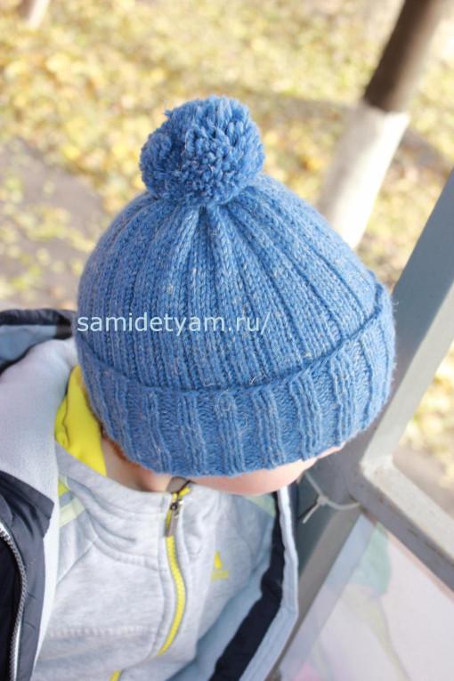 Простая шапка спицами для мальчика