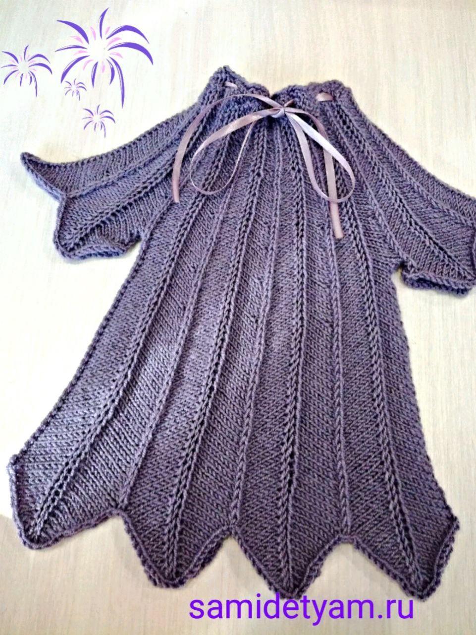 Ежевичное платье для девочки спицами